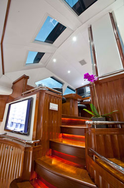 yacht construction, sailboat refit, Yacht restoration