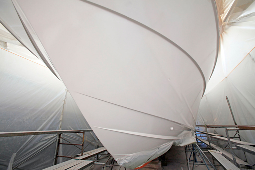 yacht refinishing, yacht fabrication, hull painting, deck painting